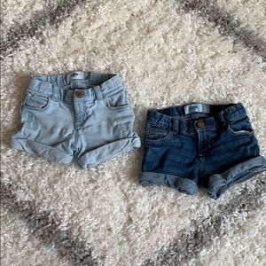 Old navy shorts size 3t